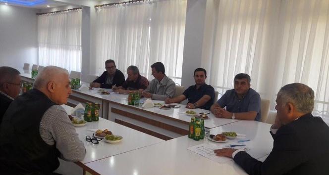 Başkan Yaman, belediye meclis üyeleriyle bir araya geldi