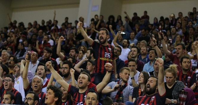 Eskişehir Basket'in konuğu İBB