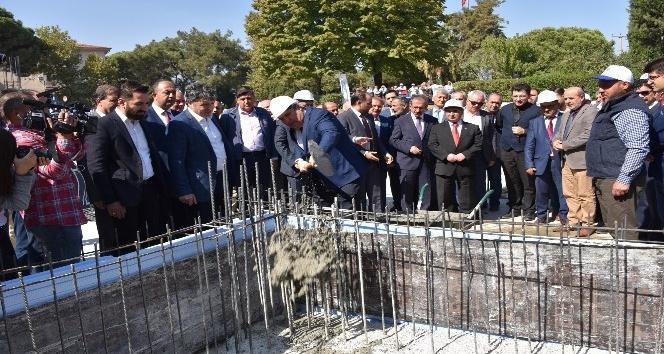 Yunusemre Belediye Meydan Camisi'nin temeli törenle atıldı