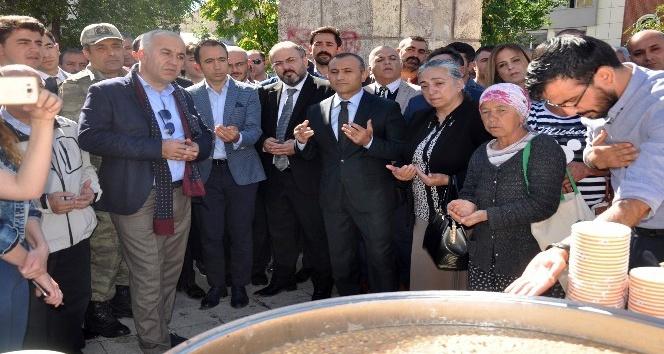 Tunceli'de 3 bin kişiye aşure ikramı