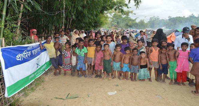 Yaklaşık bin 500 Rohingyalı kimsesiz çocuk Bangladeş'e sığındı