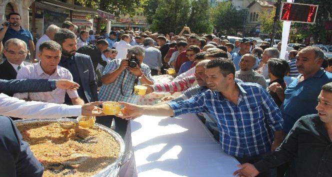 Şanlıurfa'da 5 bin kişiye aşure ikramı