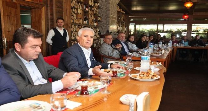 """Bozbey: """"El birliğiyle Nilüfer'i daha iyi yerlere getireceğiz"""""""