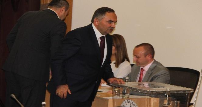 Düzce Belediye Başkanı Dursun Ay oldu