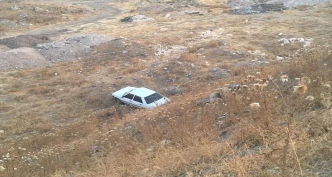 Adıyaman'da otomobil çaya uçtu: 1 yaralı
