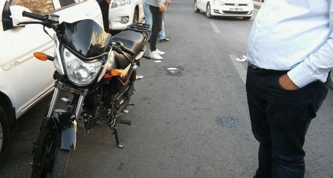Diyarbakır'da motosiklet kazası: 2 yaralı