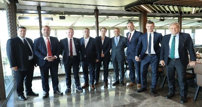 Türkiye-İzlanda resmi maç yemeği düzenlendi