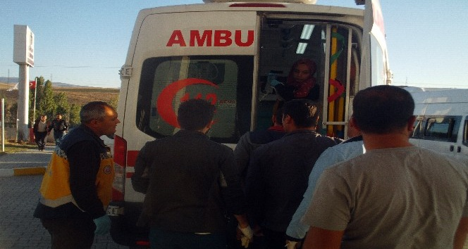 Özalp'ta silahlı sopalı kavga: 2'si ağır 5 yaralı