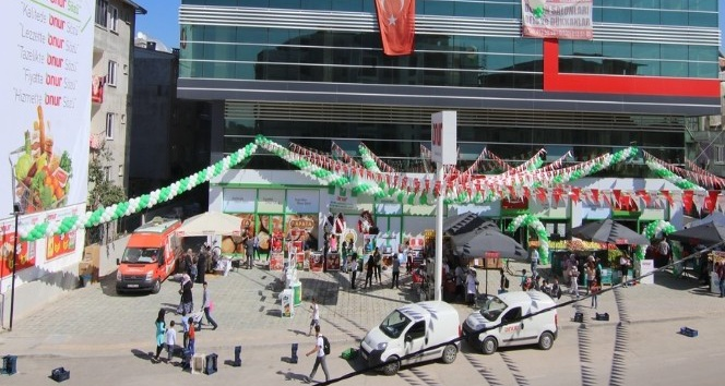 Onur Market'in Bursa'daki 65'inci mağazası açıldı