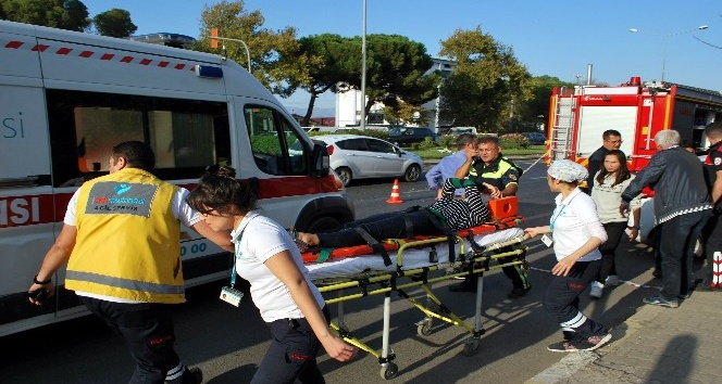 Manisa'da tır otomobile çarptı: 1 yaralı