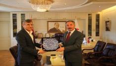 İran Erzurum Kültür Ataşesi Didban Rektör Karabulutu ziyaret etti