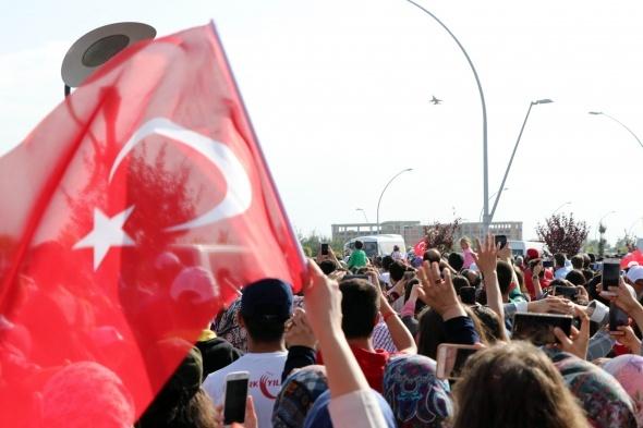 Türk Yıldızları ve Solo Türk´ten Konya´da nefes kesen gösteri