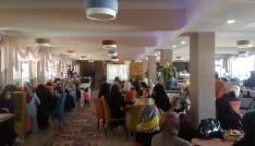 İHH Kadın Komisyonu Arakana yardım için kahvaltı programı düzenledi