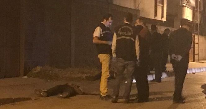 Adanada silahlı saldırı: 2 ölü, 1 yaralı