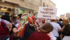 Mardinde kadınlar tarihi sokaklarda sağlık için yürüdü