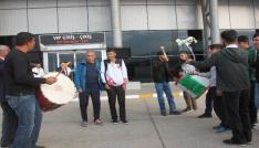 Balkan şampiyonuna davullu zurnalı karşılama