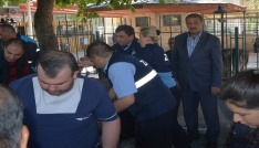 Dinar Belediyesi vatandaşlara aşure dağıttı