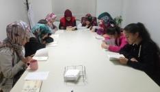 """Gençlik Merkezinde """"kitap okuma halkaları"""" projesi başladı"""