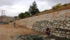 Bitliste istinat duvarı çalışmaları devam ediyor