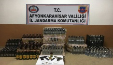 Alkollü eğlence merkezinde bin şişeden fazla kaçak içki yakalandı