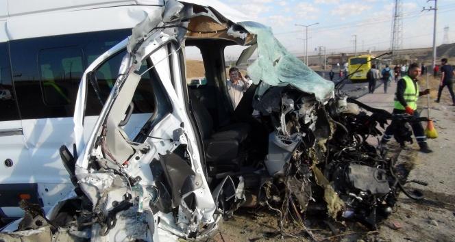 Batmanda feci kaza: 10u öğrenci 15 yaralı