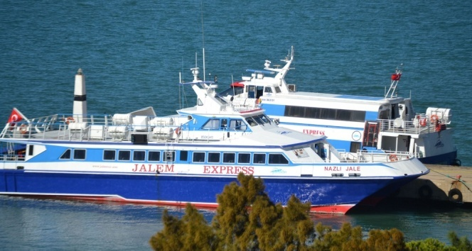Türkiye ile Yunanistan arasındaki adalara feribot seferleri yeniden başladı