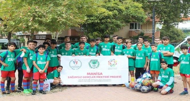 Bağımsız gençlerden çevre temizliği