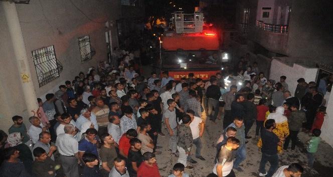 Cizre'de bir evin bodrum katında çıkan yangın mahalleyi sokağa döktü