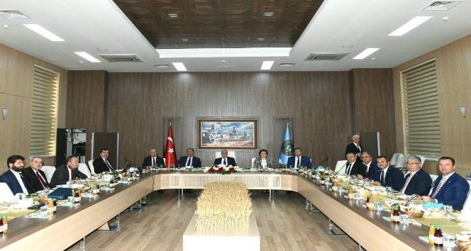 Erdem, çiftçinin sorunlarını Ankara'ya taşıdı