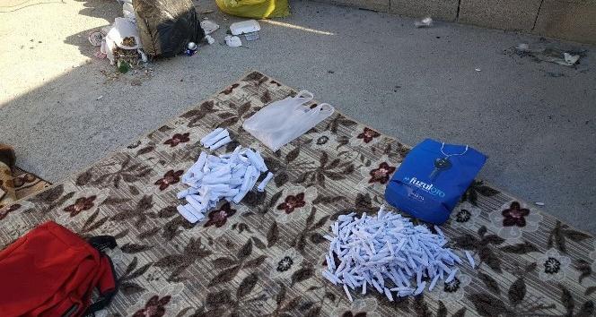 Damdaki çantadan 410 paket esrar çıktı