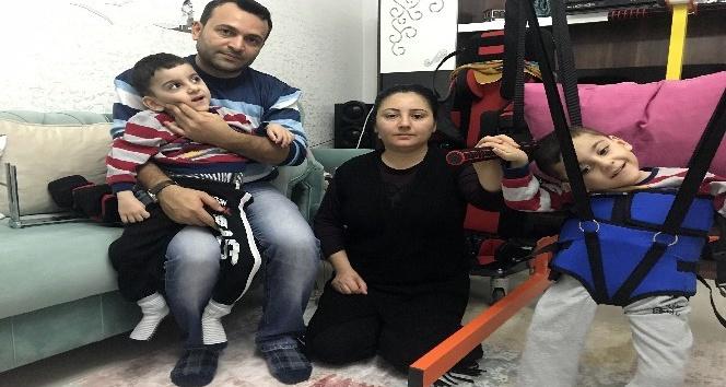 (Özel haber) Serebral Palsi hastası ikiz kardeşler, yardım eli bekliyor