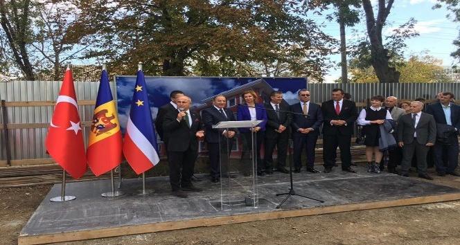 Başkan Akgün, Moldova'da temel atma törenine katıldı