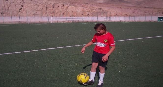 """Genç yetenek Akgün: """"Arda Turan bizi futboldan soğutuyor"""""""
