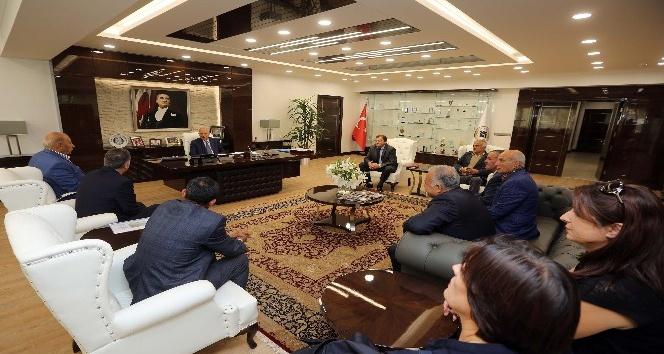 Hemşehri derneklerinden Başkan Yaşar'a teşekkür