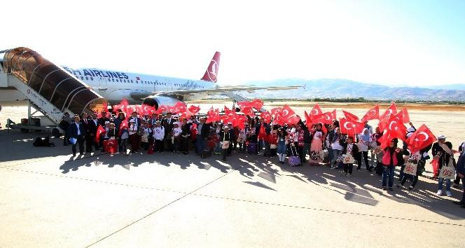 180 öğrenci 'Biz Anadoluyuz Projesi' ile ilk kez uçağı bindi