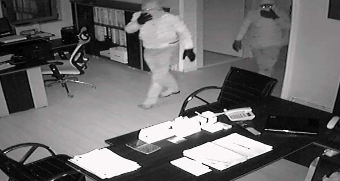 (Özel Haber) Tam teçhizatlı, maskeli çelik kasa hırsızları yakalandı