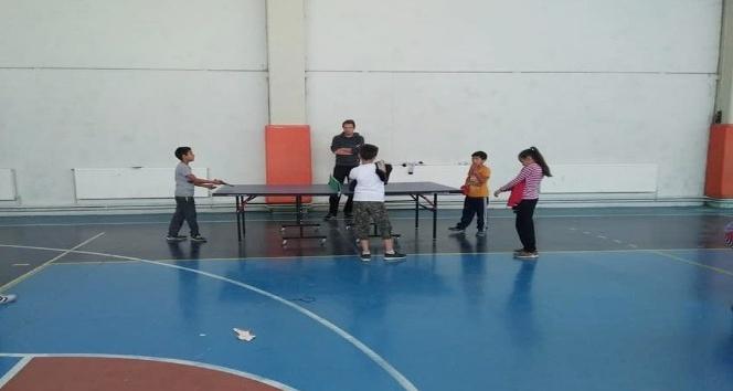 Hisarcık'ta ortaokul ve liseler arası masa tenisi turnuvası