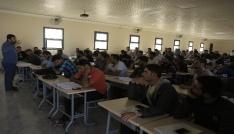 Suriyeli öğrencilere burs verildi