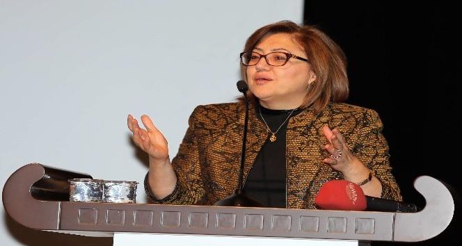 GAÜN'de 2. Uluslararası Enerji ve Mühendislik konferansı başladı