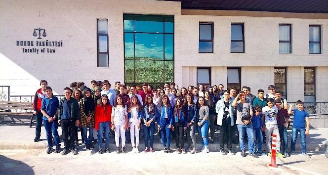 Lise öğrencilerinden üniversite ziyareti
