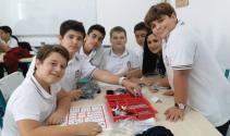 """Yakın Doğu Koleji'nde """"Lego Mindstorms Seti"""" uygulaması"""