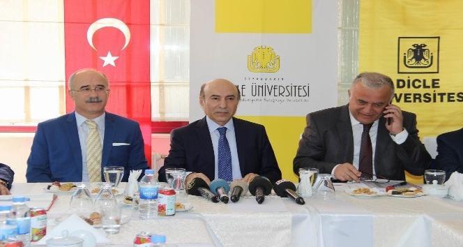 """DÜ Rektörü Gül: """"Diyarbakır yıllarca karpuz ile tanıtıldı, yaptığımız bilimsel faaliyetlerin bir amacı da bundan kurtulmaktır"""