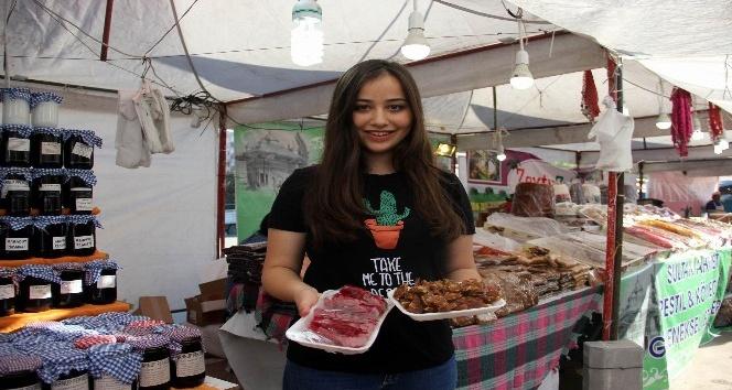 Üniversite öğrencilerinden organik pazar