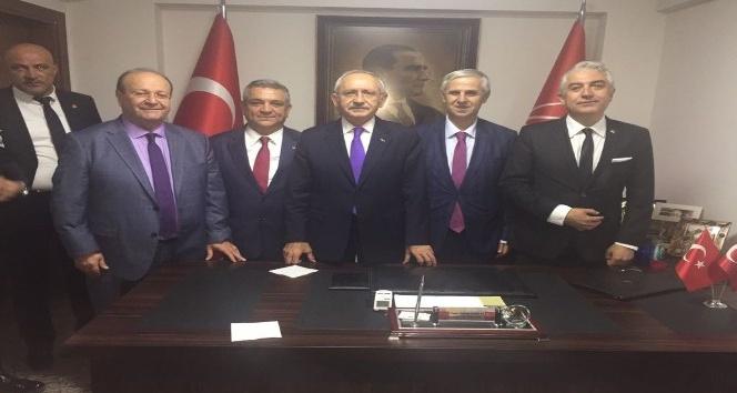 Başkan Özakcan, CHP Denizli il binasının açılışına katıldı