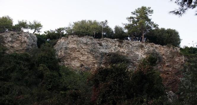Antalya'da falezlerde erkek cesedi bulundu