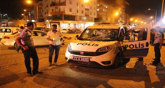 Batman'da polis aracı ile otomobil çarpıştı: 5 yaralı