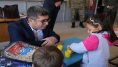 Kaymakam Çetin, okulları ziyaret etti