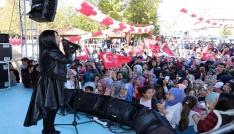 Niran Ünsal Çekerekte konser verdi