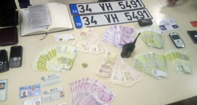 Esnaftan şantaj yoluyla para almaya çalışan sahte MİTçiler tutuklandı