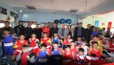 Bayburt Belediyesi Tuğra Boks Spor Kulübünde dostluk maçı